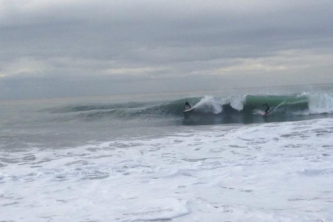 серфовая волна в Сочи
